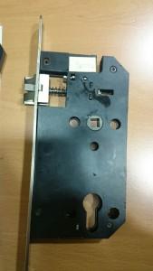 adaptar-cerradura-para-bombin-en-cerradura-con-condena-1