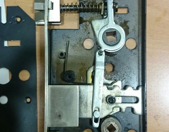 adaptar-cerradura-para-bombin-en-cerradura-con-condena-4